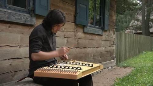 Szkoła cymbalistów wileńskich to jeden z ważnych przykładów przekazu tradycji w regionie warmińsko-mazurskim...