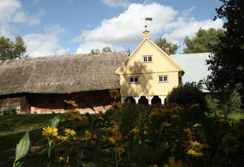 Dom podcieniowy w zagrodzie holenderskiej w Markusach, fot. Marek Opitz