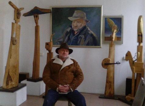Artysta w autorskiej galerii na Starym Mieście w Elblągu...