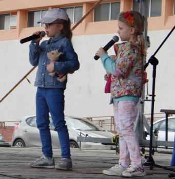 Na zdjęciu: Członkinie zespołu wokalnego