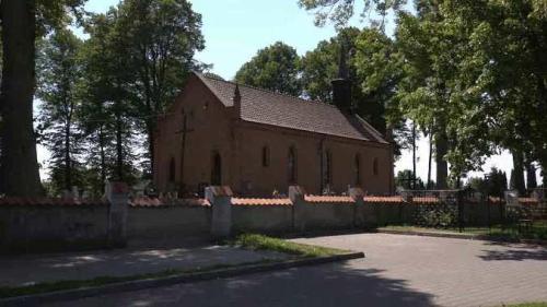 Kościół w Żuławkach... kadr z materiału filmowego