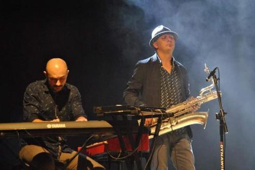Na foto od lewej: Bartek Krzywda i Szymon Zuehlke, czyli część Specjal Jazz Sextet